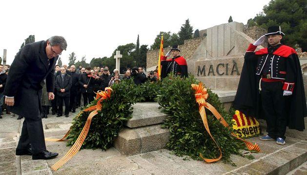 Artur Mas durante la ofrenda floral en el 79 aniversario de la muerte de Francesc Macià