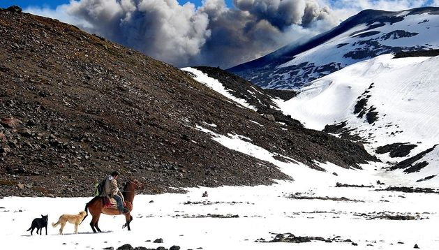La erupción del volcán Copahue, en Chile, ha disminuido