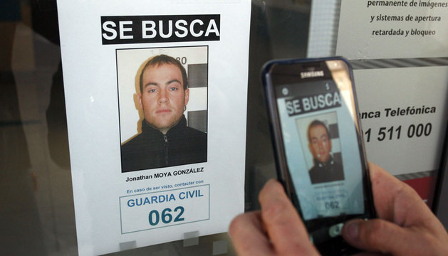 Uno de los carteles del dispositivo de búsqueda que ha organizado la Guardia Civil.