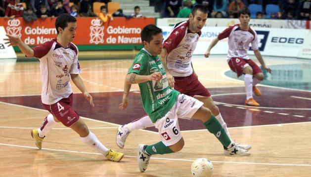 Jesulito, jugador del Triman Navarra, ha sido convocado por primera vez con la selección española