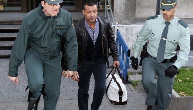 Miguel Ángel Flores, el organizador de la fiesta del Madrid Arena, a su salida de los Juzgados de Plaza de Castilla
