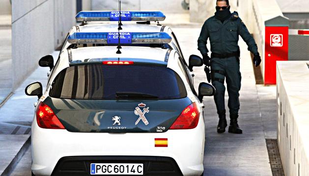 Llegada de los dos detenidos a los Juzgados de Almería