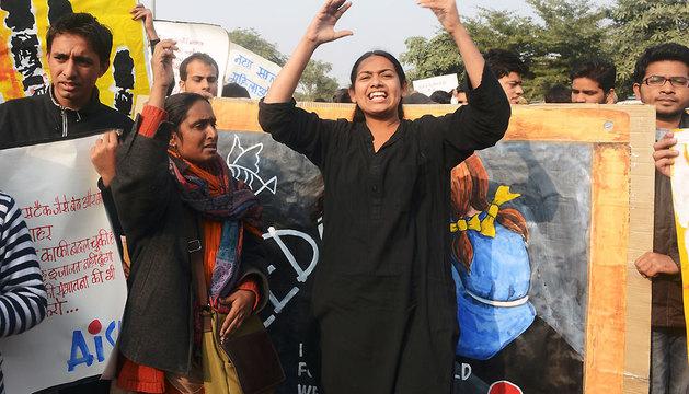 Una protesta estudiantil hoy en Nueva Delhi en protesta por la joven fallecida.