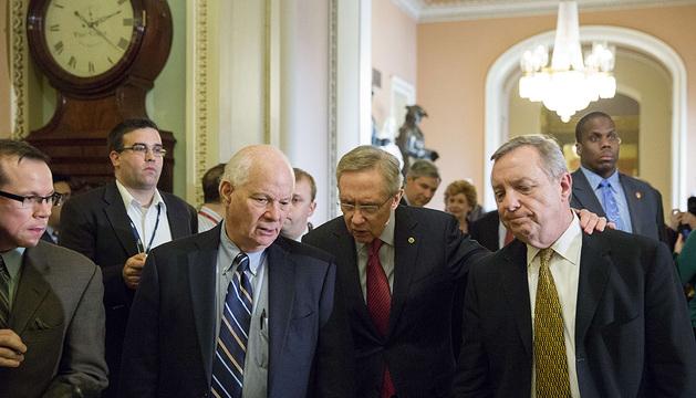 Miembros del Senado, entre ellos, el líder de los demócratas en la Cámara Alta, Harry Reid, y el senador Richard Durbin, en una reunión previa.