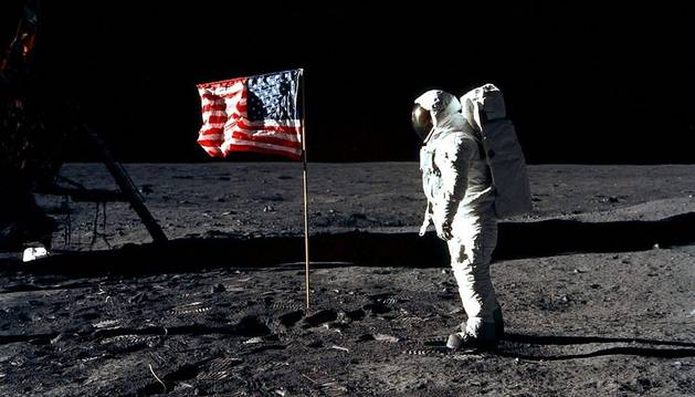 Neil Armstrong escribió su famosa frase antes de despegar