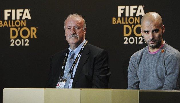 Del Bosque, ganador del trofeo al entrenador del año, junto a Guardiola. Mourinho no estuvo presente