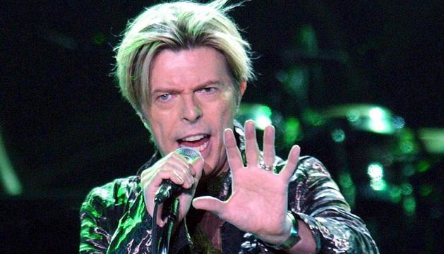 David Bowie, en una actuación en 2003.