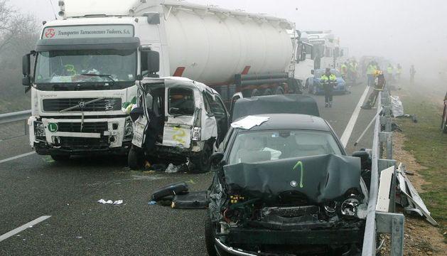 Dieciocho vehículos se han visto implicados en el accidente de tráfico ocurrido esta mañana en la AP-2, en el término municipal de Castelldans