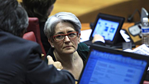 La vicepresidenta Lourdes Goicoechea, en un pleno del Parlamento
