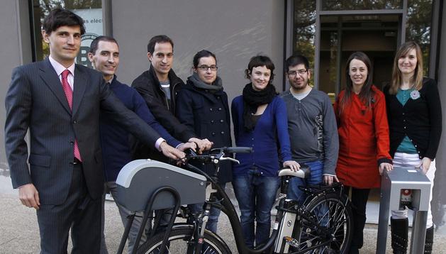 De izquierda a derecha: Miguel Vital; Asier Sanz; Iñigo Aranguren; Paula Juanotena; Itsaso Usunariz; Imanol Mosqueira; Violeta Calvo; Idoya Zariquiegui