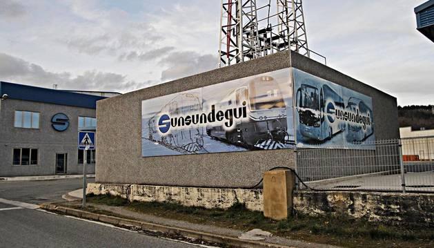 Imagen del acceso a las instalaciones de Sunsundegui, en el polígono Ibarrea de Alsasua