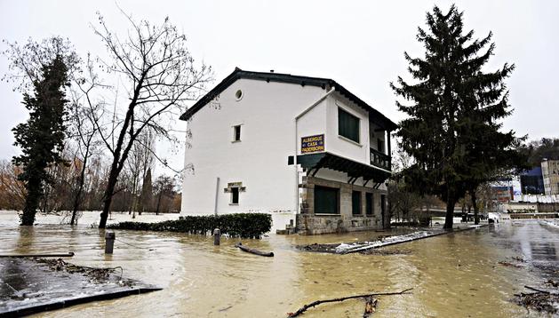 Albergue de peregrinos de Paderborn ubicado en las proximidades del río Arga, en Pamplona