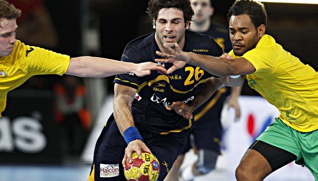 Antonio García Robledo trata de marcharse de la marca de los australianos Tommy Fletcher y Daniel Kelly