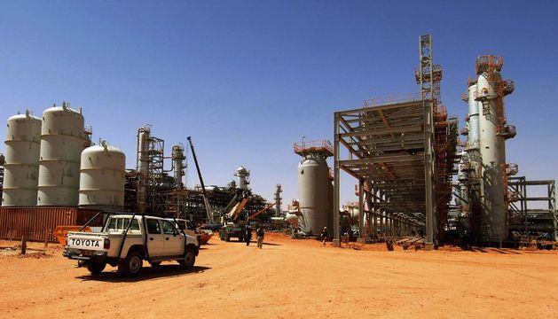 Exterior de la planta de gas en Argelia ocupada por un grupo terrorista