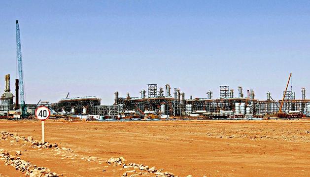 Fotografía fechada el 16 de enero de 2013 facilitada por la compañía Statoil de la planta de tratamiento de gas en In Amenas
