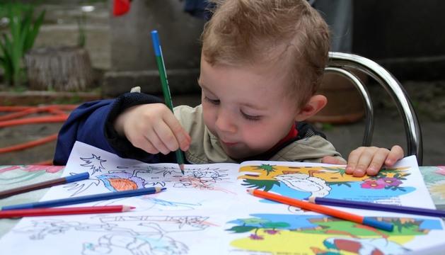 Los niños diagnosticados con TDAH tienen dificultades en la atención  mantenida y no terminan las tareas asignadas