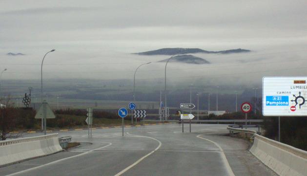 Imagen de la rotonda de acceso a la A 21
