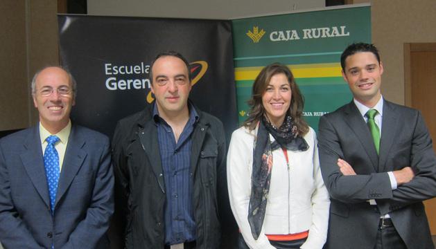 Antonio Martínez de Bujanda, gerente de Anel, Ainhoa Castellano, gerente de Anasinf, Hipólito Moreno, gerente de Decovidrio, y Daniel Montoya, responsable de la línea de emprendedores de Caja Rural.