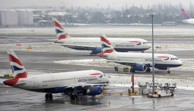 Aviones en el aeropuerto de Heathrow.