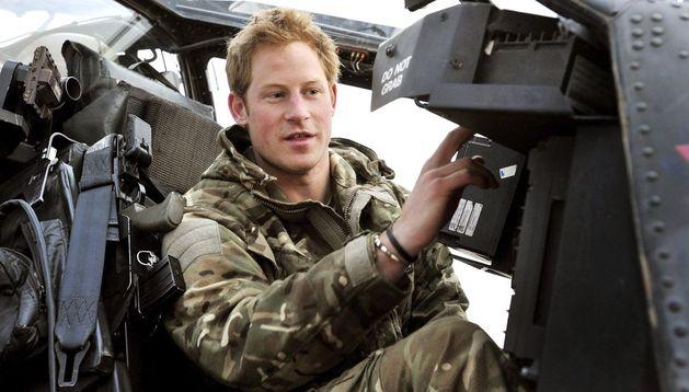 Fotografía tomada el 12 de diciembre de 2012 que muestra al príncipe Enrique de Inglaterra