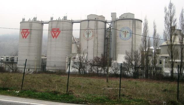 Exterior de la planta de Cementos Portland en Olazagutía