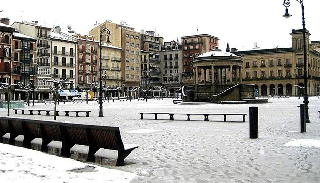La nieve arropa Navarra