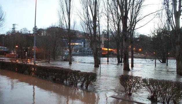 Crecida del río Arga a su paso por Pamplona