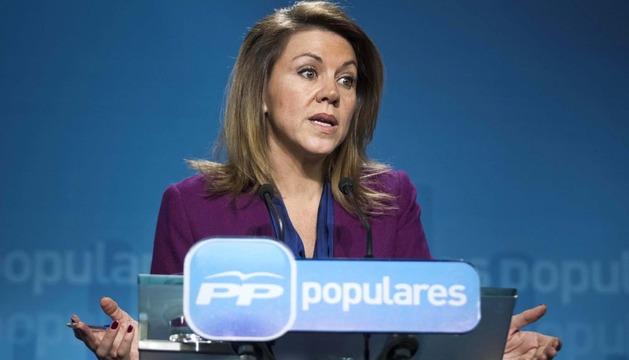 La secretaria general del PP, María Dolores de Cospedal, durante la rueda de prensa de este jueves