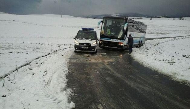 El autobús escolar que se salió de la vía