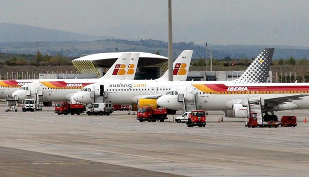Varios aviones de Iberia en el aeropuerto de Barajas