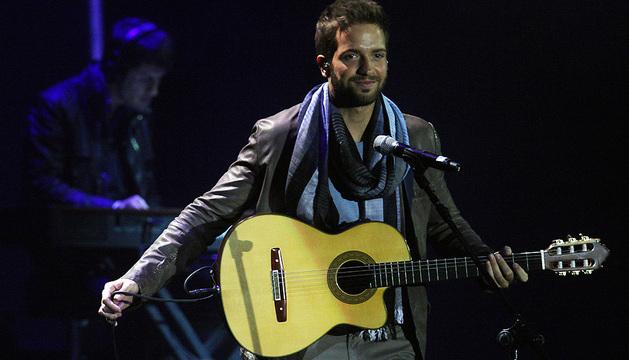 El cantante español Pablo Alborán, durante la sexta y última noche de la edición 54 del Festival Internacional de Viña del Mar (Chile)
