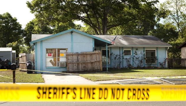 La casa en la que murió Jeff Bush al abrirse un socavón en el suelo mientras dormía.