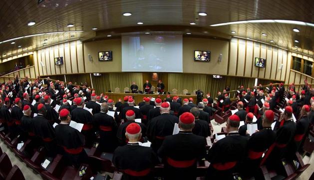 Vista general de la primera congregación de cardenales