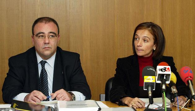 El alcalde de Egüés, Josetxo Andía (izda.) junto a Carolina Potau