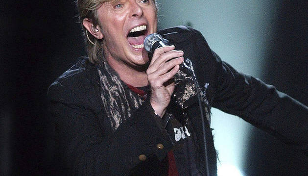 El cantante inglés durante un concierto en 2004.