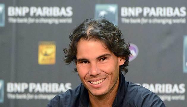 El tenista español Rafael Nadal habla durante una rueda de prensa.