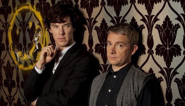 Benedict Cumberbatch (izquierda) y Martin Freeman, Sherlock y Watson en Un escándalo en Belgravia