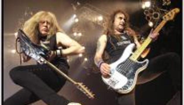 La banda Iron Maiden, durante un concierto en 2007.