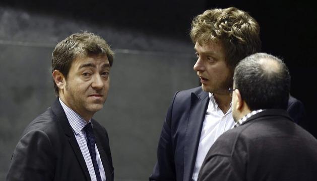 Los portavoces del PSN y Bildu, este jueves en el Parlamento