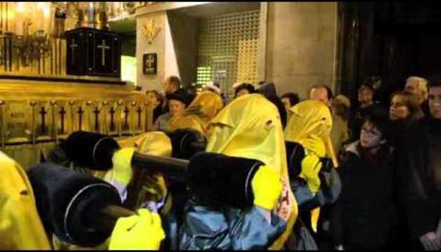 La Cofradía de San Saturnino canta a La Dolorosa