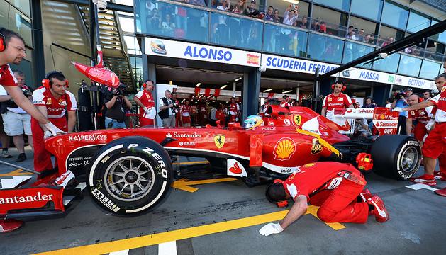 Alonso, durante la primera sesión libre en el GP de Australia.