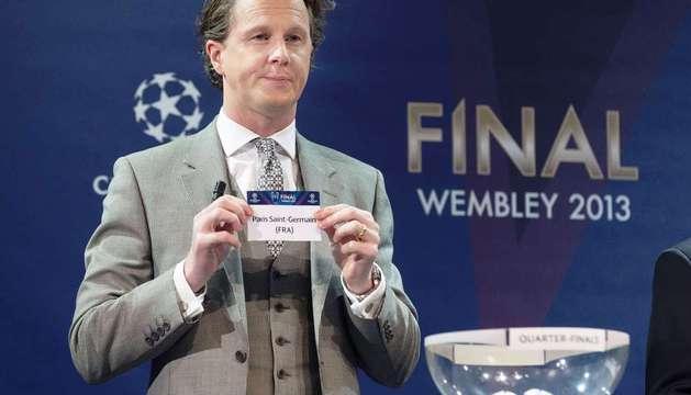 El inglés Steve McManaman, durante el sorteo para los cuartos de final celebrado en la sede de la UEFA en Nyon, Suiza