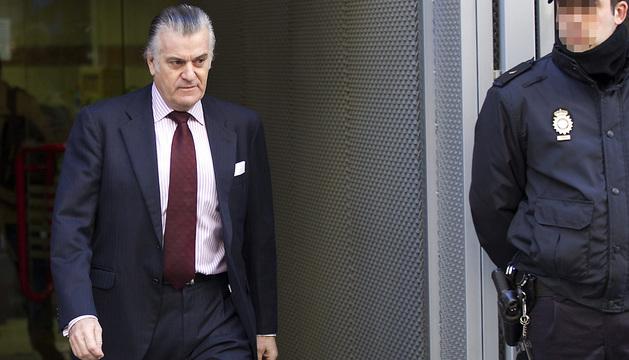 El extesorero y exsenador del Partido Popular Luis Bárcenas a la salida de la Audiencia Nacional.