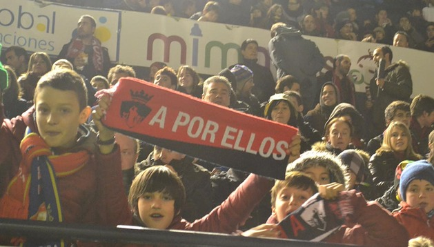 Fotografías del búscate en la grada Osasuna 0-At. Madrid 2 (II)