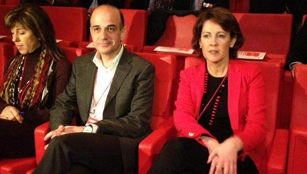 Yolanda Barcina y Alberto Catalán, durante el acto de clausura del IX Congreso de UPN, a la espera de conocer la nueva presidencia