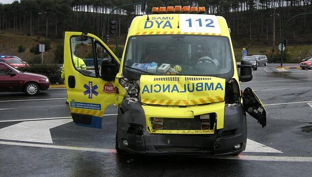 Imagen de la ambulancia tras la colisión