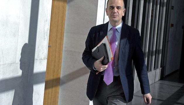 Alberto Catalán, a su llegada hoy a la reunión de la Mesa y Junta de portavoces