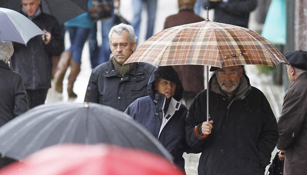 Los paraguas han sido imprescindibles este invierno en Pamplona