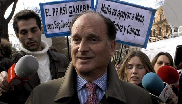 El exmarido de Ana Mato, Jesús Sepúlveda, a su salida de la Audiencia Nacional tras negarse a declarar ante el juez el 13 de febrero