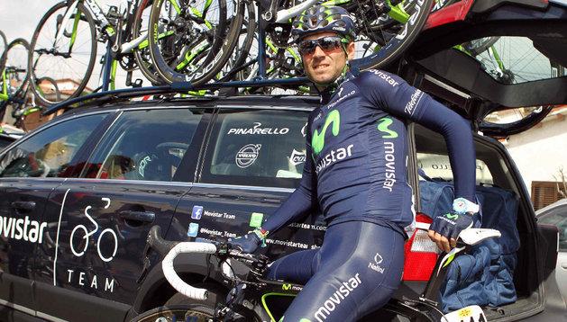 Alejandro Valverde se ha tenido que retirar de la Volta a Catalunya tras sufrir una caída